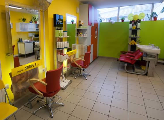 Frizerski salon SIMPLE - Hura diskont nakupovani center Črnuče