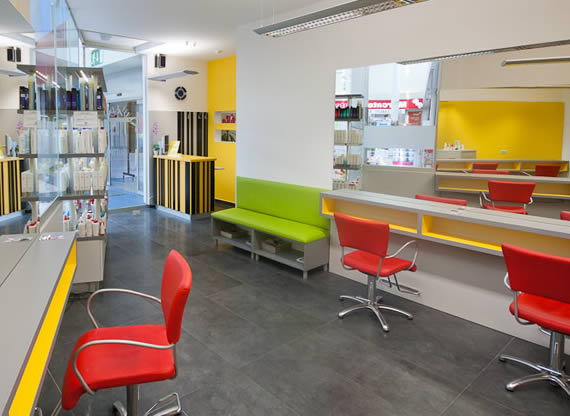 Frizerski salon SIMPLE - Mercator center Jesenice